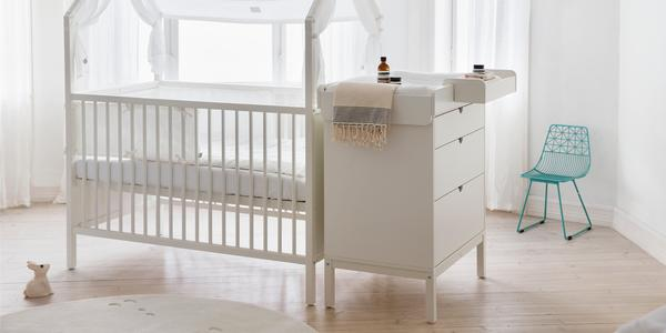 public baby changing tables
